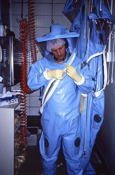 394px-Positive-pressure_biosafety_suit